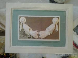 Riproduzione in gesso di un bassorilievo in marmi policromi. FASE 2